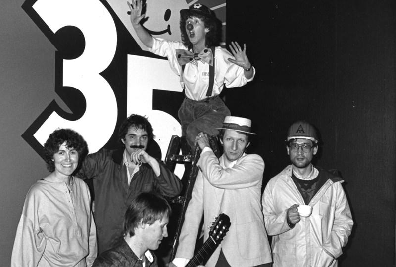 """1984 – Gruppe 35. Revue """"Es gibt ein leben vor der Rente"""""""